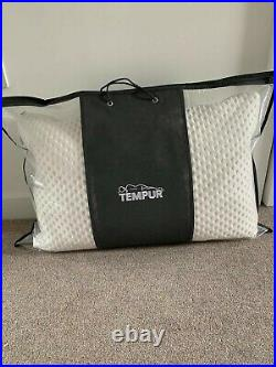 Brand new 2 X TWOTEMPUR CLOUD SOFT PILLOWS WITH COOL TOUCH