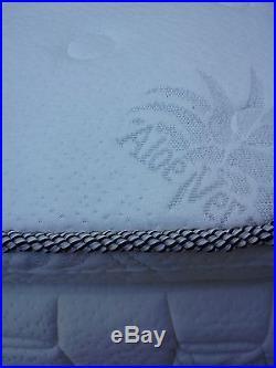 MLily Kingsize Serenity Pillow-Top 13 Memory Foam Mattress(Make Offer)